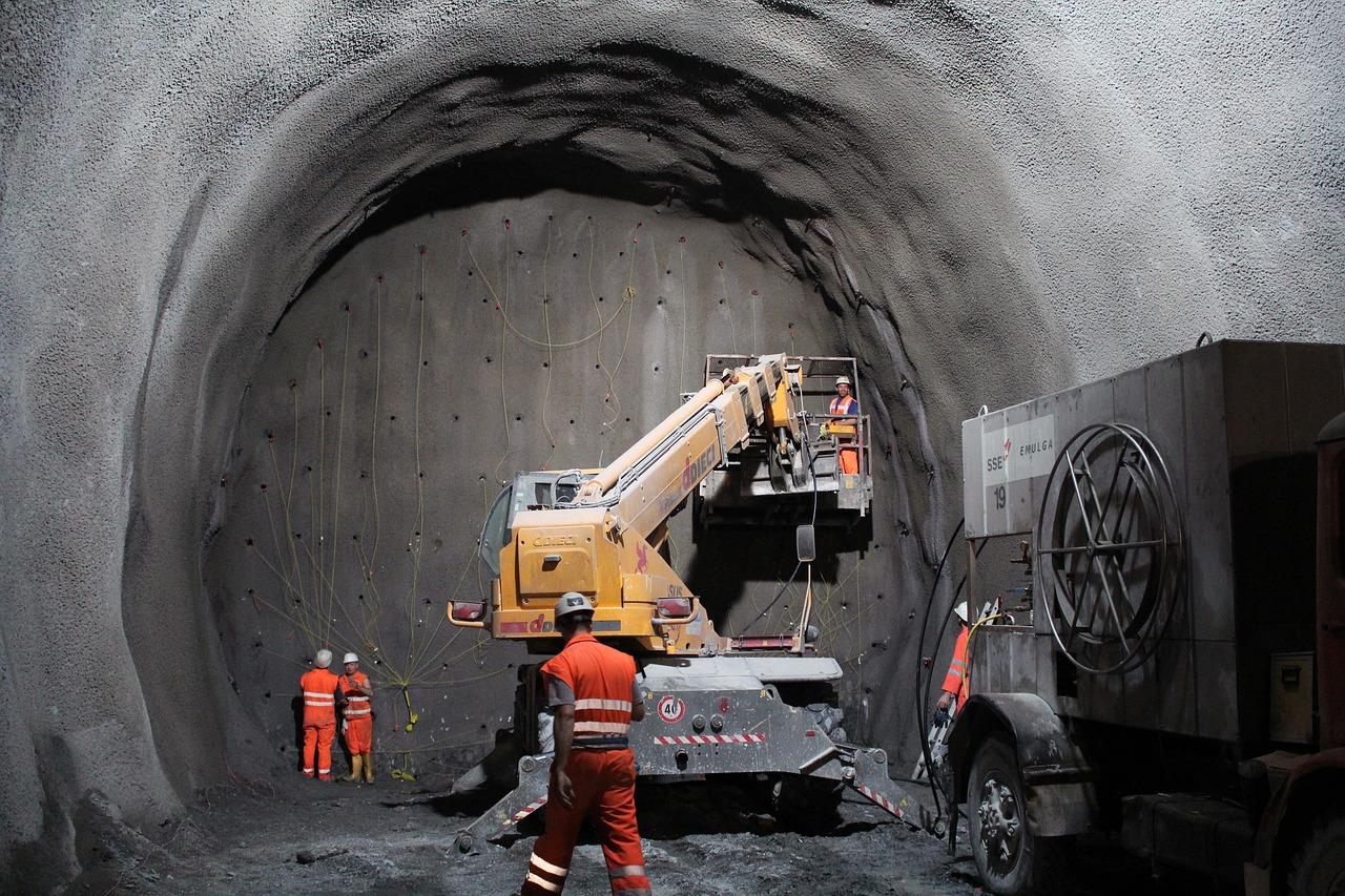 tunnel-2316267_1280